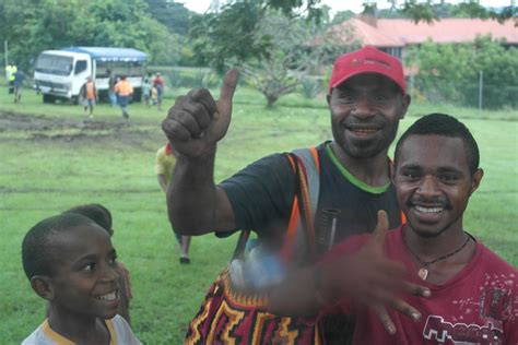 papua  guinea safe  backpackers  whats