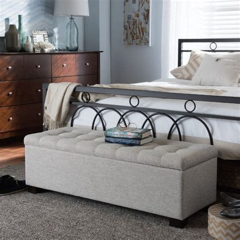 Ottoman In Front Of Bed by 25 Best Ideas About Bedroom Benches On Bed