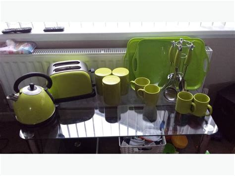 Lime Green Kitchen Appliances & Accessories Rowley Regis Rustic Kitchen Dining Sets Cottage Pictures Of Small Makeovers Red Cabinets Traditional Style Tables Contemporary Pendant Lighting For Narrow Galley Designs