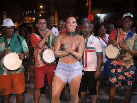 Carnaval 2020 Paola Oliveira Musa Da Tv Fez Ensaio Na