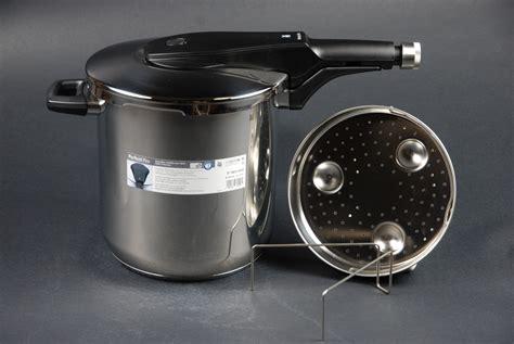 schnellkochtopf 5 liter wmf schnellkochtopf pro 8 5 liter kochtopf 22 cm neu ovp 07 9624 6040 ebay