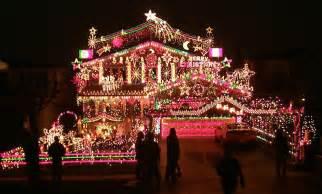 voici 10 des plus belles d 233 corations de maisons pour no 235 l quand le jardin s illumine positivr
