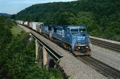 Fifty shades of blue: How Conrail's paint scheme changed ...