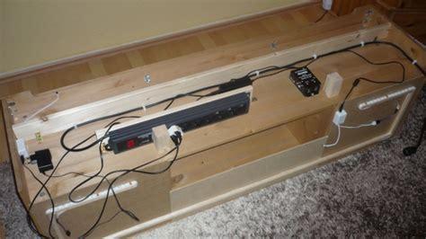 Kabel Hinterm Fernseher Verstecken by Kabel Hinterm Fernseher Verstecken Fernseher An Wand