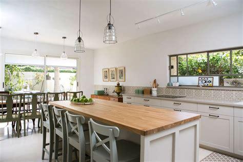 pics of kitchen islands המזנון שמשמאל לארונות נקנה בשוק הפשפשים ביפו שלושת 4181