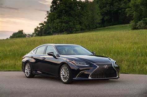 Lexus 2019 : Automobile Magazine