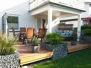 Terrasse mit eingefasstem gabionen hochbeet versch nern for Hochbeet terrasse