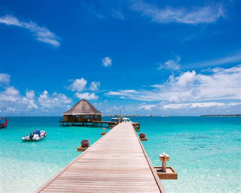 See more ideas about beach wallpaper, beach, beautiful places. Dock To Sea Tropical Beach Resort Hd Wallpapers For Desktop Mobile Phones Tablet And Laptops ...