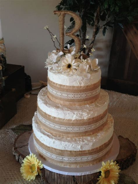 Rustic Theme Wedding Cake Borders Are Burlap With Lace And