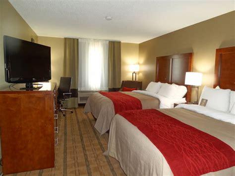 comfort suites coralville ia comfort inn suites coralville 76 9 1 updated