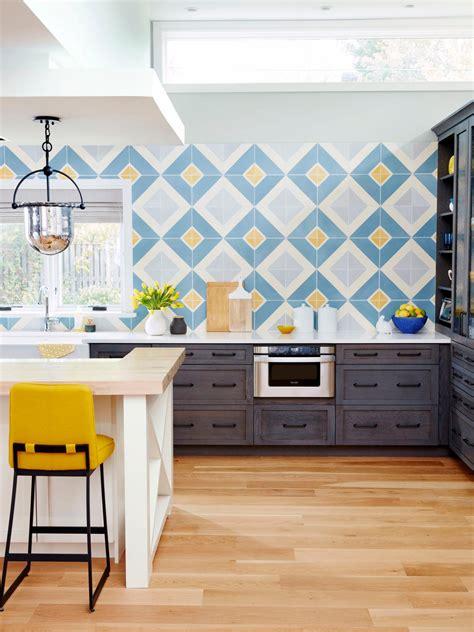 9 Kitchens With Showstopping Backsplash  Hgtv's
