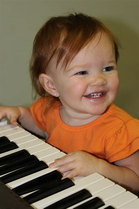 Select from premium toddler music class of the highest quality. Why have a music class for toddlers? - Jensen's Yamaha Music School