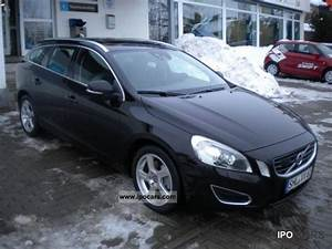 Volvo V60 Summum : 2010 volvo v60 d5 summum xenium package sunroof car photo and specs ~ Gottalentnigeria.com Avis de Voitures