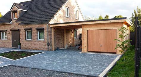 garage bois avec un carport toit plat plus carport abris voitures et portails
