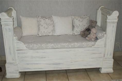 transformer un lit en canapé un lit de coin transformé en canapé de gigibees24