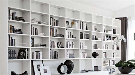 Scaffali Librerie Componibili by Libreria Componibile A Parete Su Misura Artik