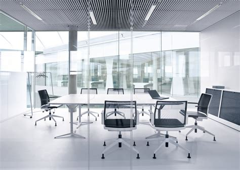 Office Room : Uk Office Cleanliness Is Below Average According To Workers