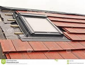 Velux Fenster Einbau : velux fenster einbau stockfoto bild von media fotographie 20641582 ~ Orissabook.com Haus und Dekorationen