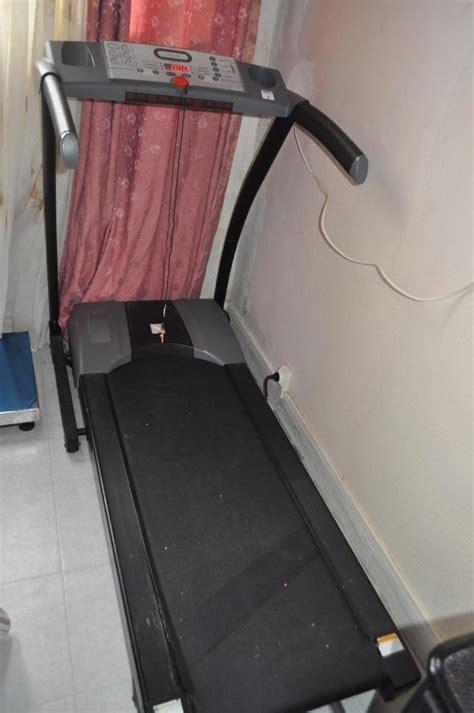 troc echange tapis roulant 233 lectrique 220 volts de course ou de marche de la marque domyos tc