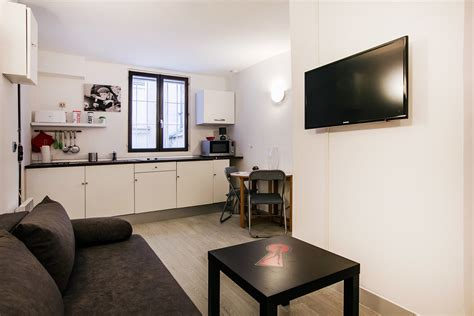 cuisine de rue studio for rent rue muller ref 12205