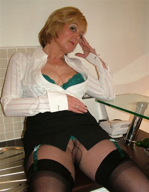 Mature Old Busty Babe Shirley With Spectacular Tits