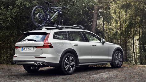 volvo  cross country exterior interior  drive