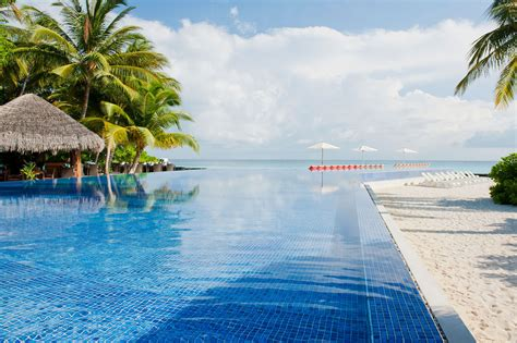 shipping container homes interior kuramathi island resort in the maldives 10 homedsgn