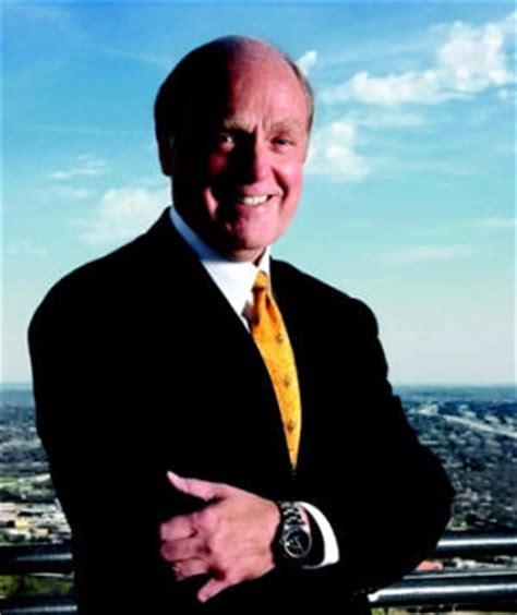 analysts expect seamless transition  horton builder magazine leadership donald tomnitz