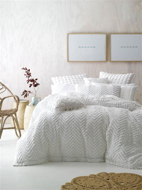 Bedroom: Using White Duvet Cover Queen For Gorgeous Bedroom Decoration Ideas ? Stephaniegatschet.com