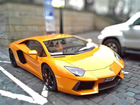 Imagen De Lamborghini Amarillo  【foto Gratis】 100009568