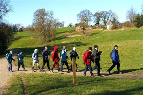Walking Groups Better Than Alone Health