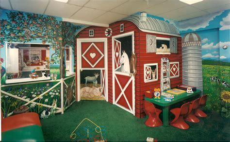 Kinderzimmer Wandgestaltung Bauernhof by Bonnie Siracusa Murals