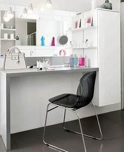 et pourquoi pas une vraie coiffeuse dans la salle de bains With coiffeuse salle de bain