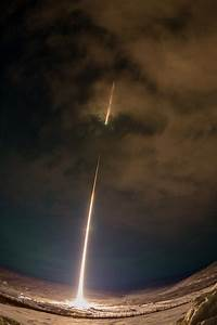 Dramatic view of a nasa rocket launch over alaska colossal for Dramatic view of a nasa rocket launch over alaska