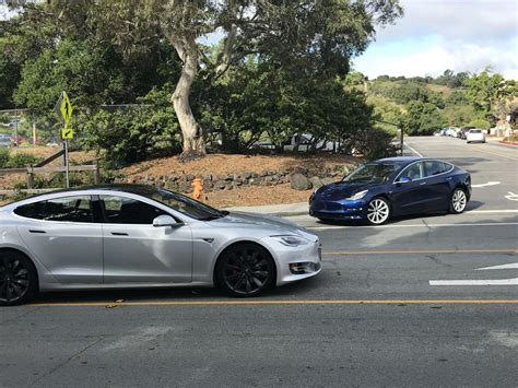 Tesla Model 3 Next To Model S In Traffic Puts Size Into