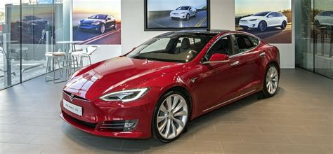 Tesla Model S Hailed As Fastest-selling 2nd Hand Electric