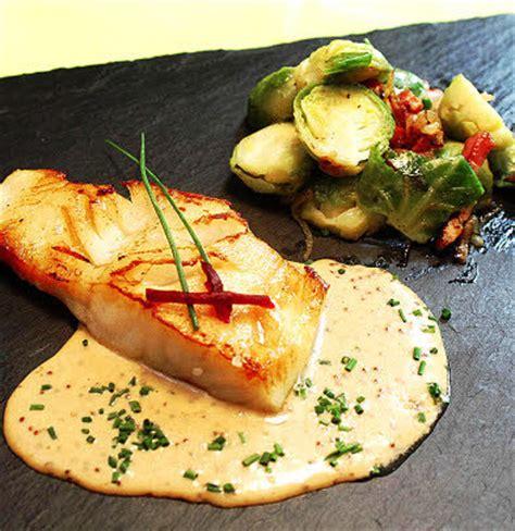 cuisiner lieu jaune le télégramme recettes plat filet de lieu jaune aux choux de bruxelles