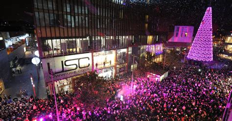 thousands turn out to watch liverpool s christmas tree