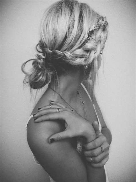 robe de chambre 50 idées pour votre coiffure mariage cheveux mi longs