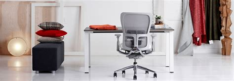 adjustable desk height discover haworth 39 s zody desk chair