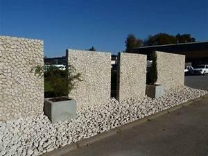 Beton Pflanzkübel Als Mauer : sichtschutz mit naturstein optik in vielf litger ausf hrung ~ Udekor.club Haus und Dekorationen