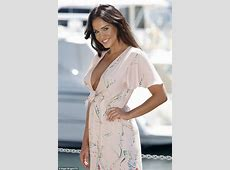 Vicky Pattison goes braless in plunging dress for I'm A