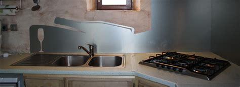 revetement adhesif plan de travail cuisine cr 233 dence d 233 co rev 234 tement mural d 233 coratif pour plan de travail en cuisine