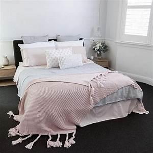 Tapis Gris Rose : 1001 conseils et id es pour une chambre en rose et gris ~ Teatrodelosmanantiales.com Idées de Décoration