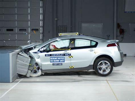 si鑒e auto crash test chevrolet volt e nissan leaf promosse nei crash test sicurauto it