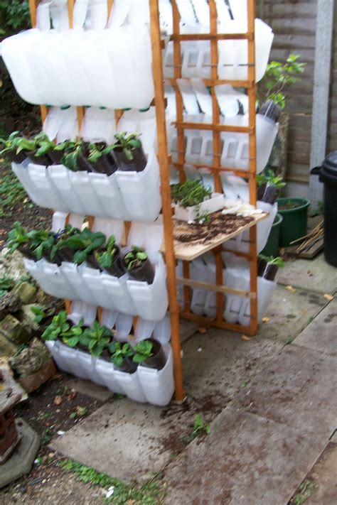 trellis system  jrp recycling plastic containers