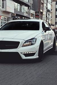 Garage Mercedes 95 : 17 best ideas about custom mercedes on pinterest sexy cars nice cars and cars ~ Gottalentnigeria.com Avis de Voitures