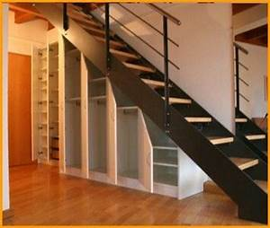 Unter Treppen Schrank : pi di 25 fantastiche idee su schrank unter treppe su ~ Michelbontemps.com Haus und Dekorationen