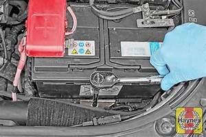 Batterie Renault Scenic 3 : renault megane scenic 1999 2002 1 9 dci battery check haynes publishing ~ Medecine-chirurgie-esthetiques.com Avis de Voitures