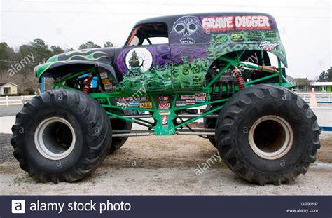 gravedigger monster truck video image monster truck grave digger museum in poplar branch